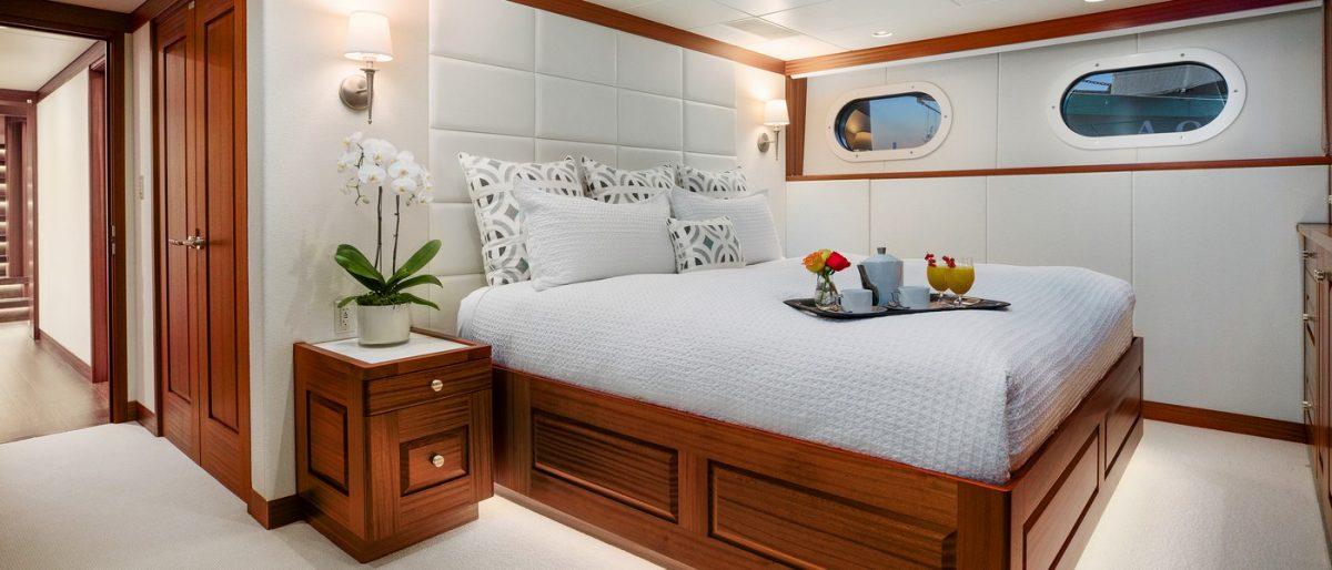 ENDLESS SUMMER, superyacht,charter, yachtcharter, Fiji, New Zealand, travel, luxury, vip cabin