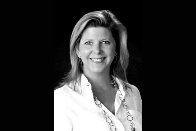 Rose Jolis-Fox, Charter Experience Broker