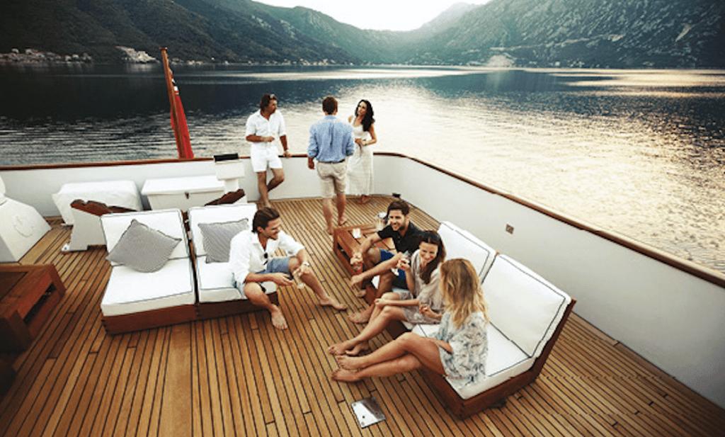 Signature Luxury & Travel Lifestyle