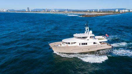 Yacht SIMBA ex TEXAS T superyacht charter Australia great barrier Reef